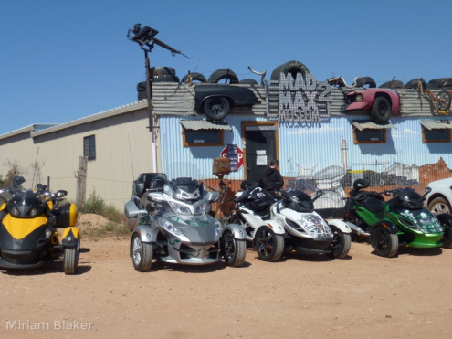 Mad Max Museum with cars (800x600)