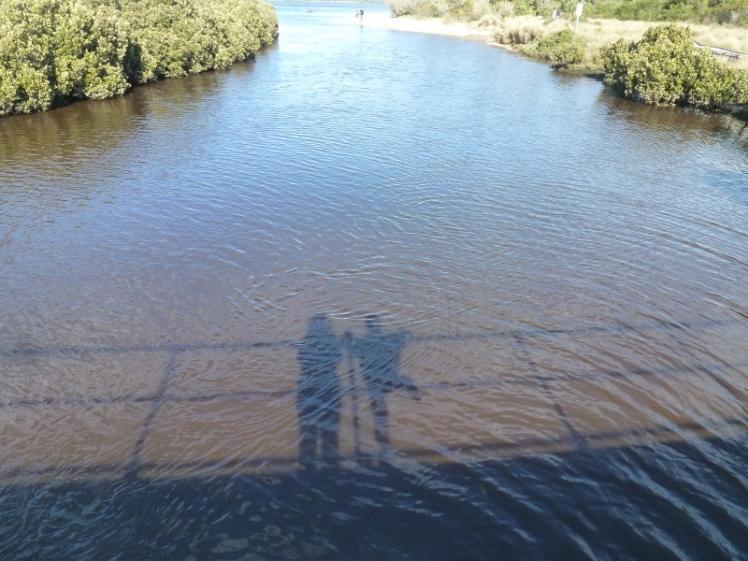 shadow-on-the-bridge-800x600