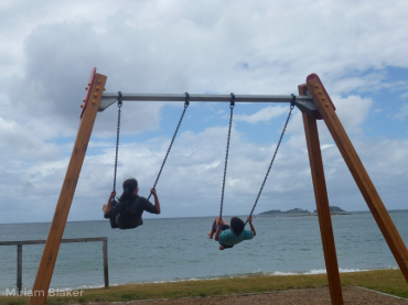 on-the-swings-at-batemans-bay-800x600