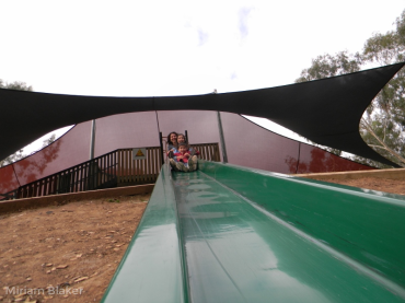 playing-big-slide-at-nhill-800x600