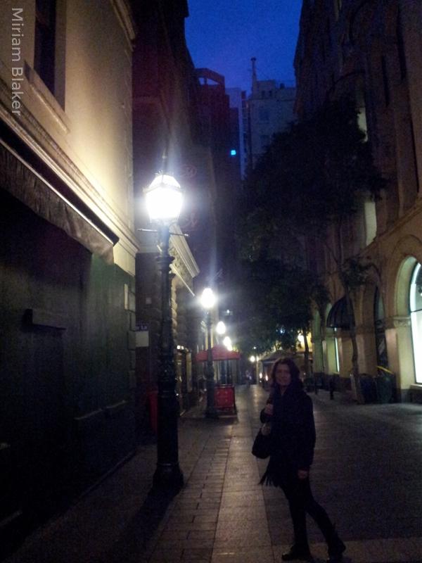 city-at-night-600x800