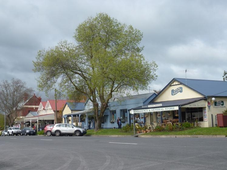 Loch Main Street