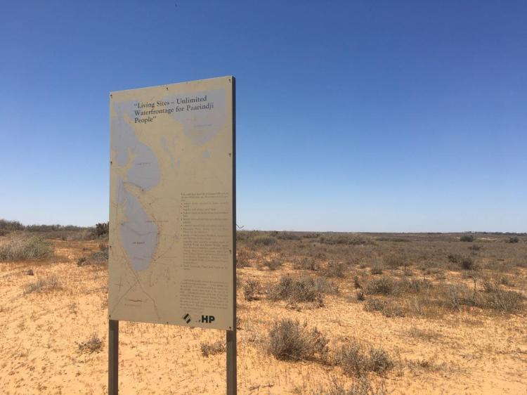 Mungo waterfront sign